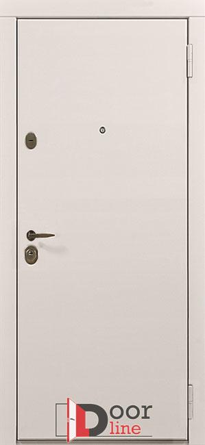 Белая металлическая дверь