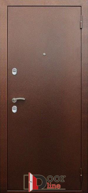 Коричневая металлическая дверь